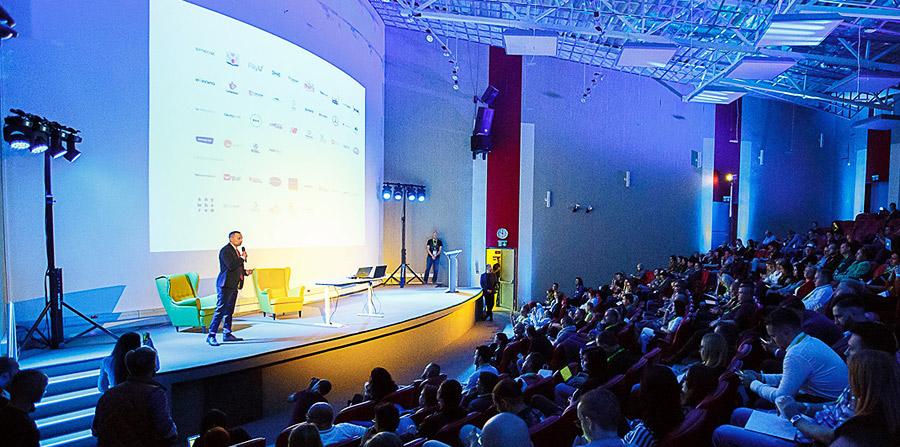 Konferencje  i seminaria naukowe